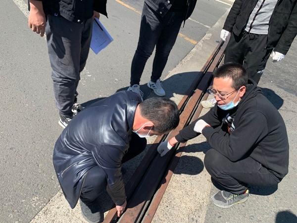 新疆11选5基本走势图集团对天路公司所辖S101运煤专线进行检查